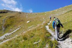 Salendo dalla Val Maone