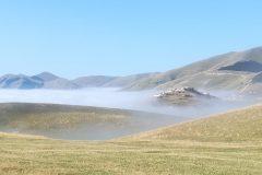 Marea di nebbia sopra Castelluccio