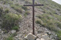 La storica croce commemorativa di Tito Zilioli