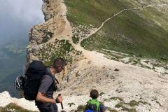 Alessio e Daniele a scendere dalla vetta del Camicia