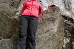 Anna Rita tra le rocce