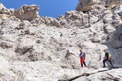 Davide e Stefano assorti dal luogo selvaggio del Prena